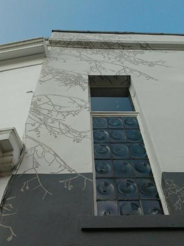 Close up nick garrett's mural work London sign writer Nick Garrett
