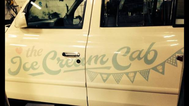 The Ice Cream Cab - Nick Garrett signwriter 003